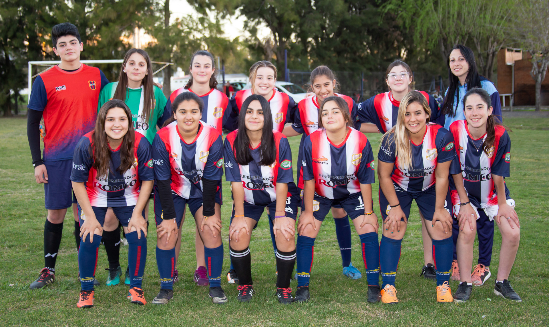 https://elfronton.club/wp-content/uploads/2019/09/futbol_femenino-inferiores-el-fronton.jpg