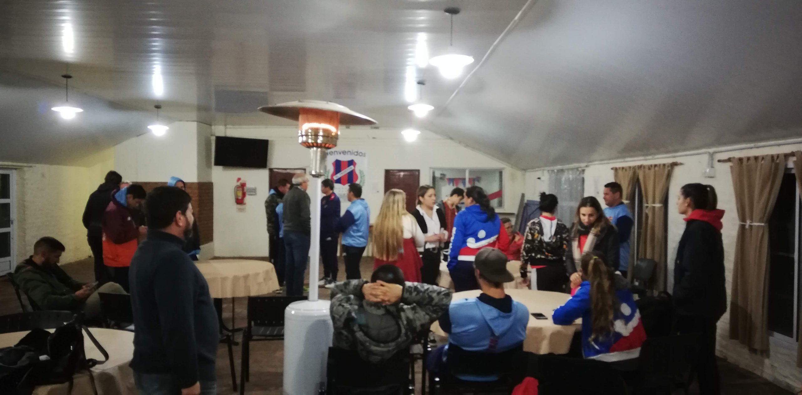 reuniones-club-fronton-1